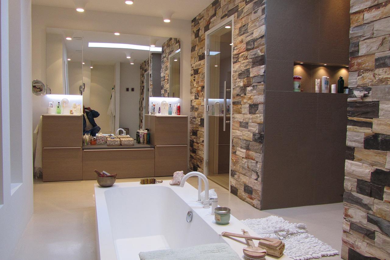 Kleine badkamer met bad ontwerpen - Foto kleine badkamer ...